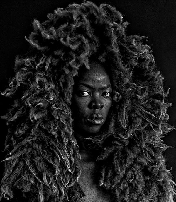 Zanele Muholi - SOMNYAMA NGONYAMA